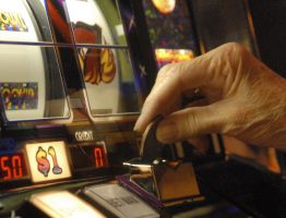 Difference to be known between pokies and lotto